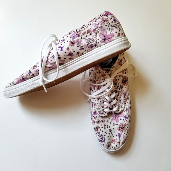 6ec82040e770 Vans Shoes